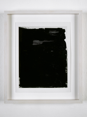 03-POLAROID-Black-English.jpg